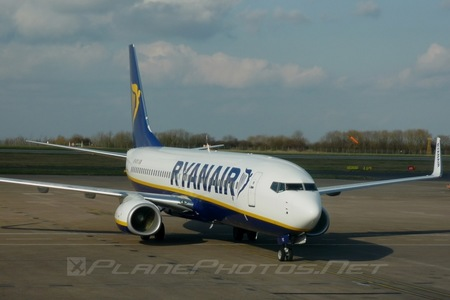 Boeing 737-800 - EI-DYX operated by Ryanair