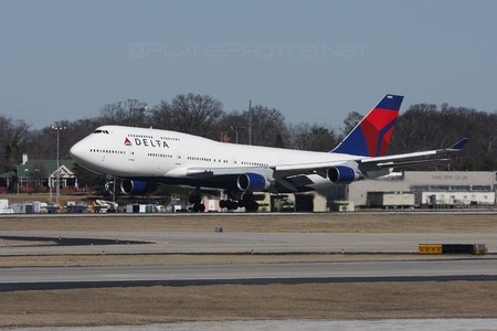 Boeing 747-400 - N663US operated by Delta Air Lines