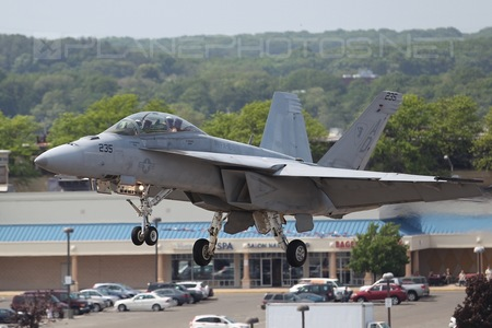 Boeing F/A-18F Super Hornet - 166458 operated by US Navy (USN)