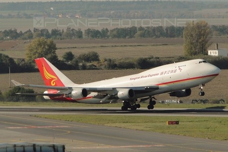 Boeing 747-400F - B-2432 operated by Yangtze River Express
