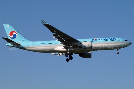 Airbus A330-223 - HL7538 operated by Korean Air