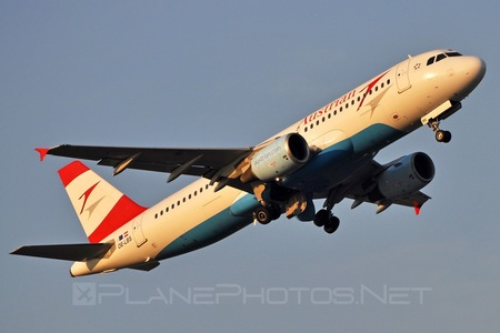 Airbus A320-214 - OE-LBS operated by Austrian Airlines