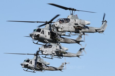 Bell AH-1W Super Cobra - 165276 operated by US Marine Corps (USMC)