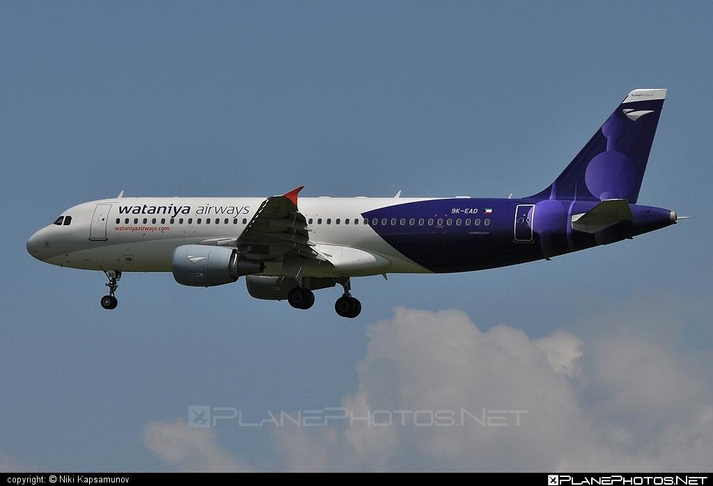 Airbus A320-214 - 9K-EAD operated by Wataniya Airways #a320 #a320family #airbus #airbus320