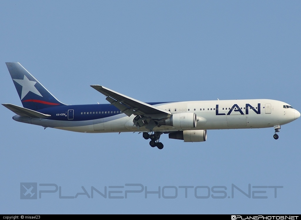 Boeing 767-300ER - CC-CZU operated by LAN #b767 #b767er #boeing #boeing767
