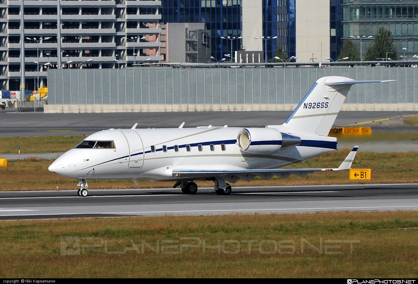 Bombardier Challenger 604 (CL-600-2B16) - N926SS operated by Private operator #bombardier #challenger604 #cl6002b16