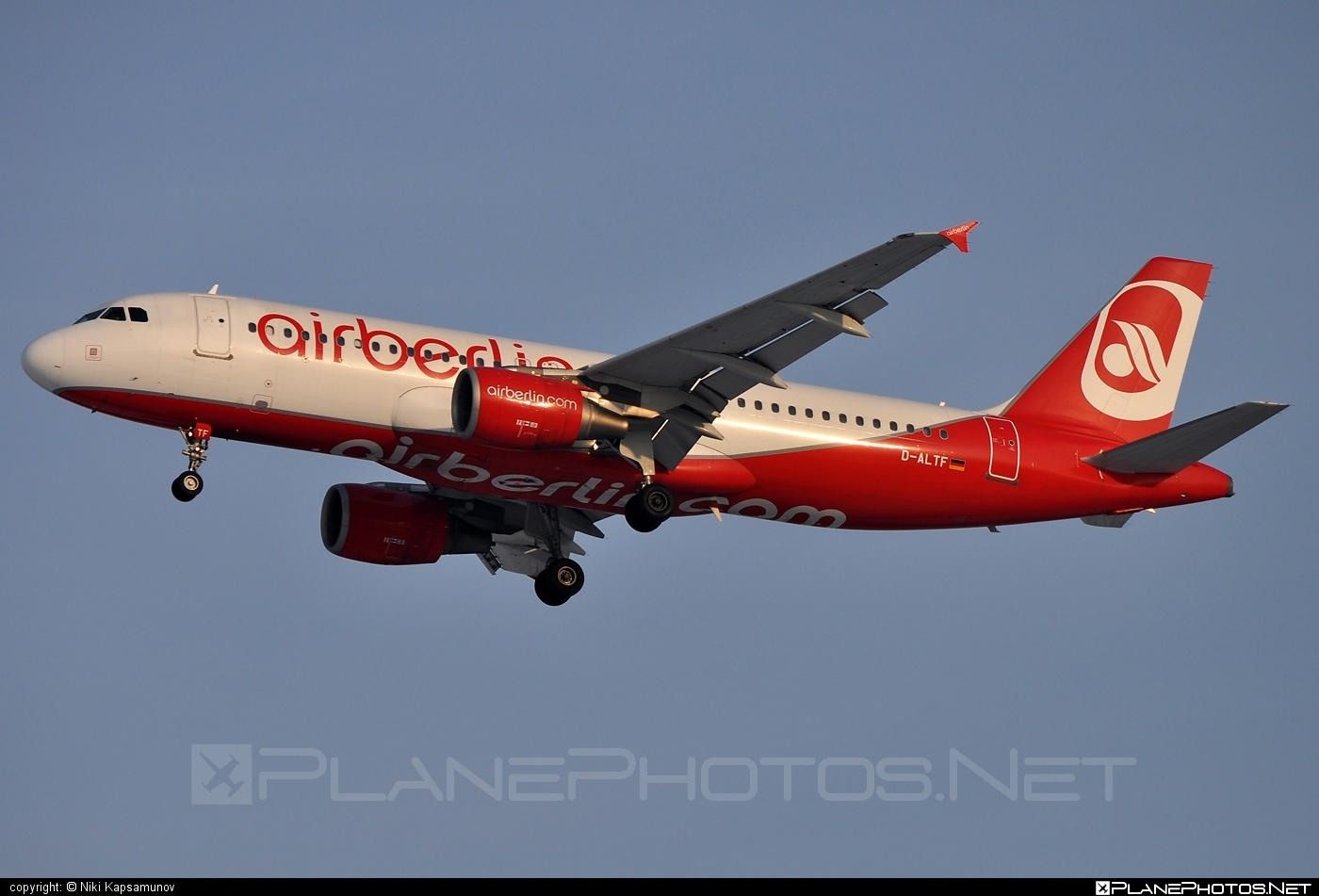 Airbus A320-214 - D-ALTF operated by Air Berlin #a320 #a320family #airberlin #airbus #airbus320