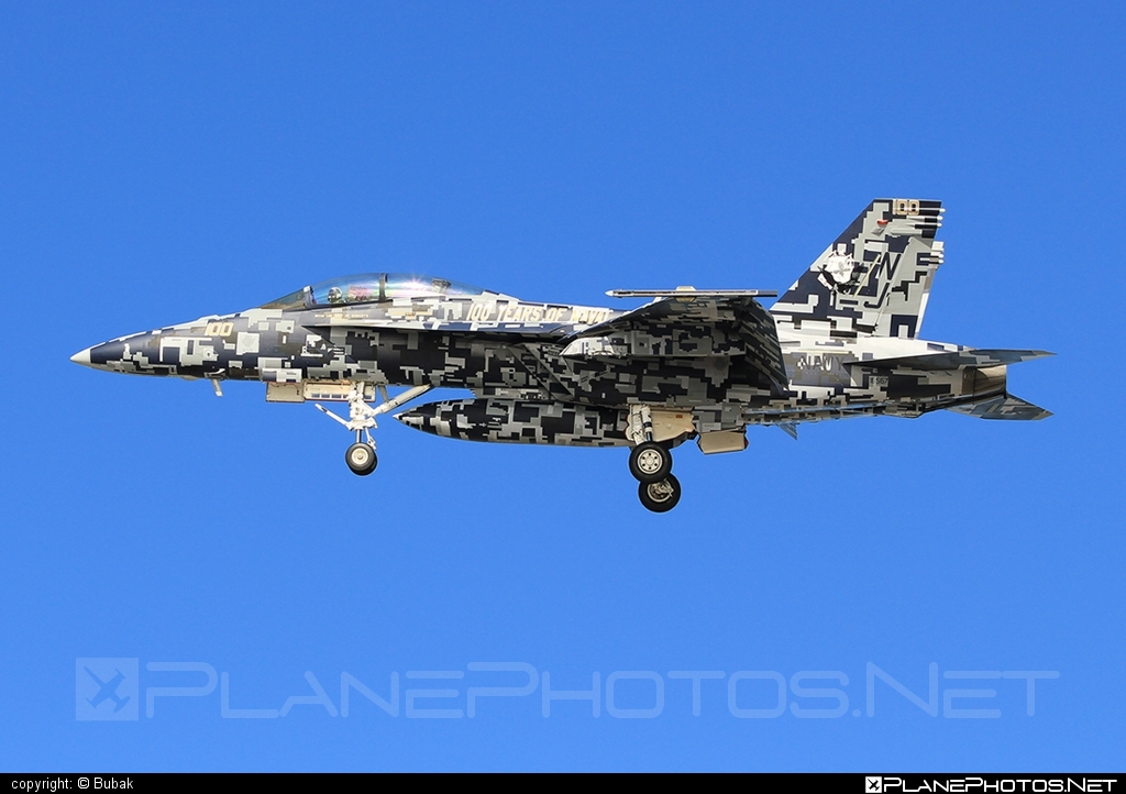 Boeing F/A-18F Super Hornet - 165677 operated by US Marine Corps (USMC) #boeing #f18 #f18hornet #f18superhornet #fa18 #fa18f #fa18superhornet #superhornet
