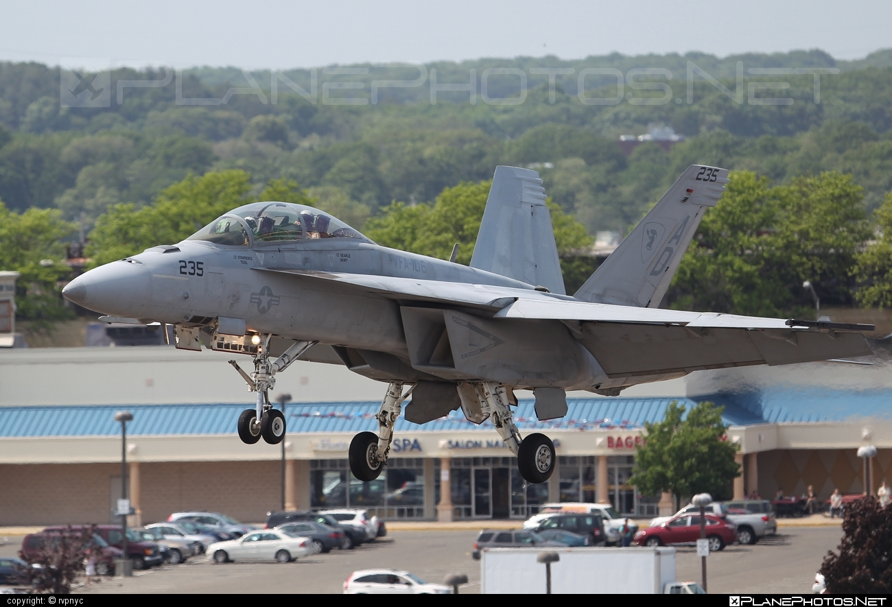 Boeing F/A-18F Super Hornet - 166458 operated by US Navy (USN) #boeing #f18 #f18hornet #f18superhornet #fa18 #fa18f #fa18superhornet #superhornet