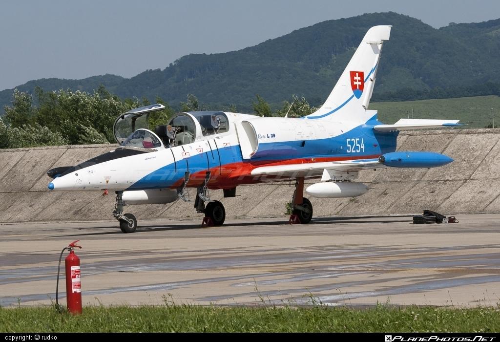 Aero L-39CM Albatros - 5254 operated by Vzdušné sily OS SR (Slovak Air Force) #aero #slovakairforce #vzdusnesilyossr