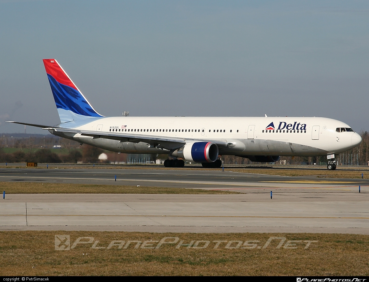 Boeing 767-300ER - N152DL operated by Delta Air Lines #b767 #b767er #boeing #boeing767 #deltaairlines