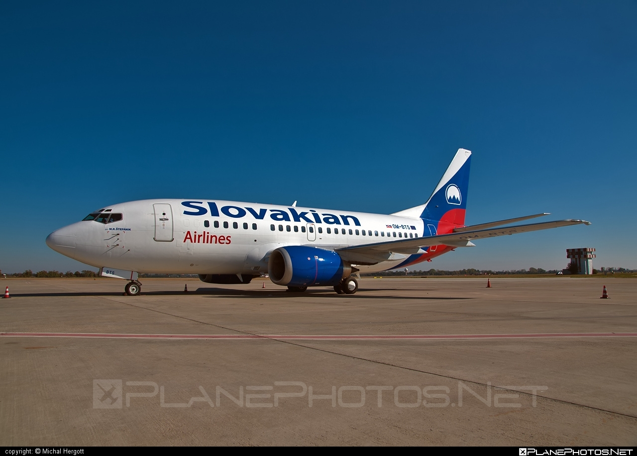 Boeing 737-500 - OM-BTS operated by Slovakian Airlines #b737 #boeing #boeing737