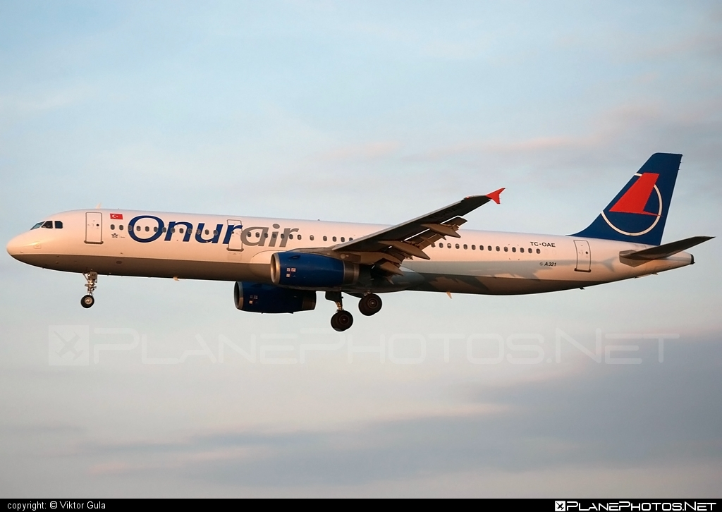 Airbus A321-231 - TC-OAE operated by Onur Air #a320family #a321 #airbus #airbus321