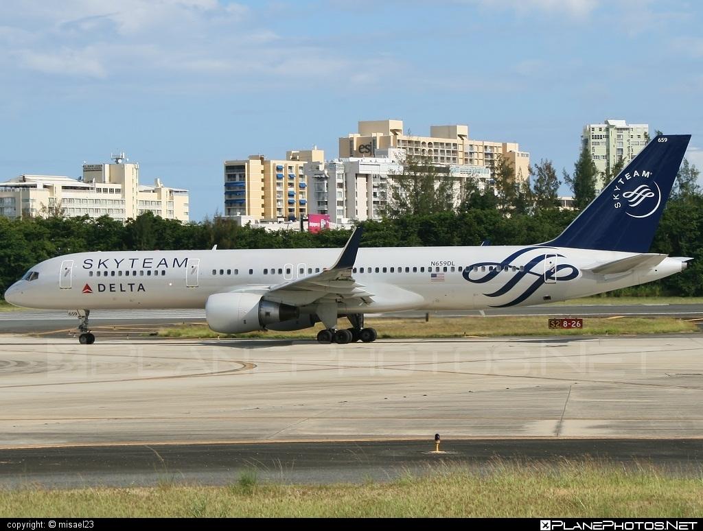 Boeing 757-200 - N659DL operated by Delta Air Lines #b757 #boeing #boeing757 #deltaairlines