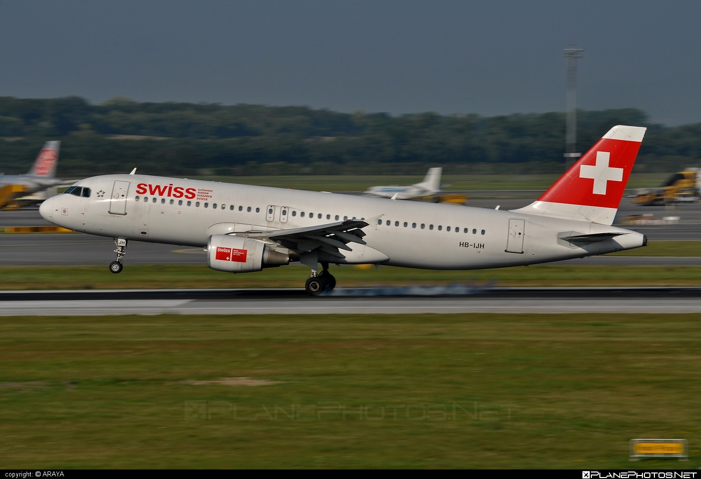 Airbus A320-214 - HB-IJH operated by Swiss International Air Lines #a320 #a320family #airbus #airbus320 #swiss #swissairlines