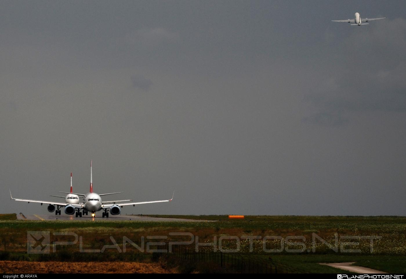 Boeing 737-800 - OE-LNP operated by Austrian Airlines #b737 #b737nextgen #b737ng #boeing #boeing737