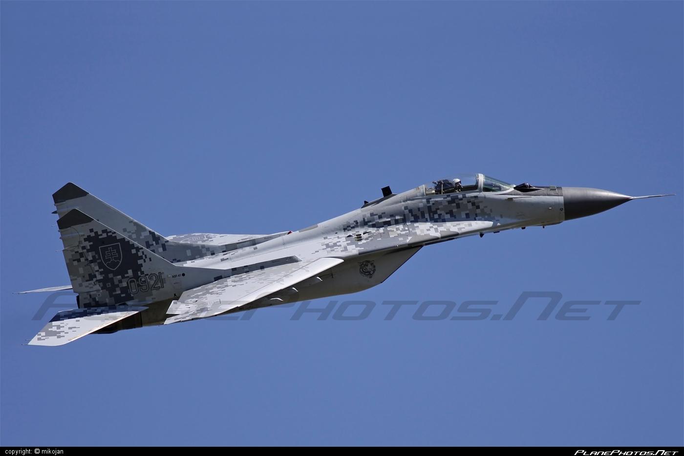 Vzdušné sily OS SR (Slovak Air Force) Mikoyan-Gurevich MiG-29AS - 0921 #mig #mig29 #mig29as #mikoyangurevich #slovakairforce #vzdusnesilyossr