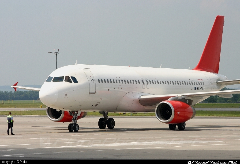 Airbus A320-231 - PH-AAX operated by Travel Service #a320 #a320family #airbus #airbus320 #travelservice
