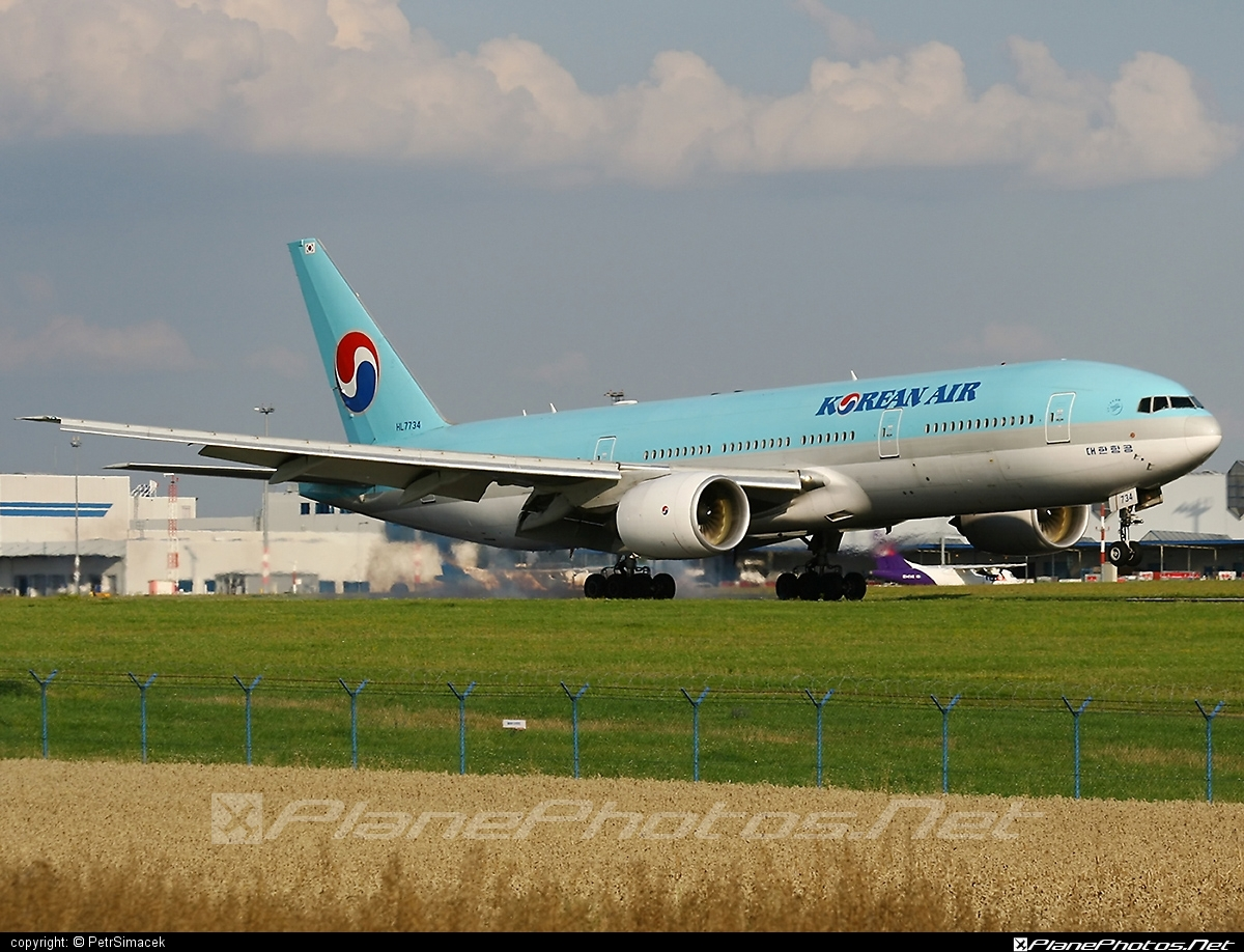 Boeing 777-200ER - HL7734 operated by Korean Air #b777 #b777er #boeing #boeing777 #koreanair #tripleseven