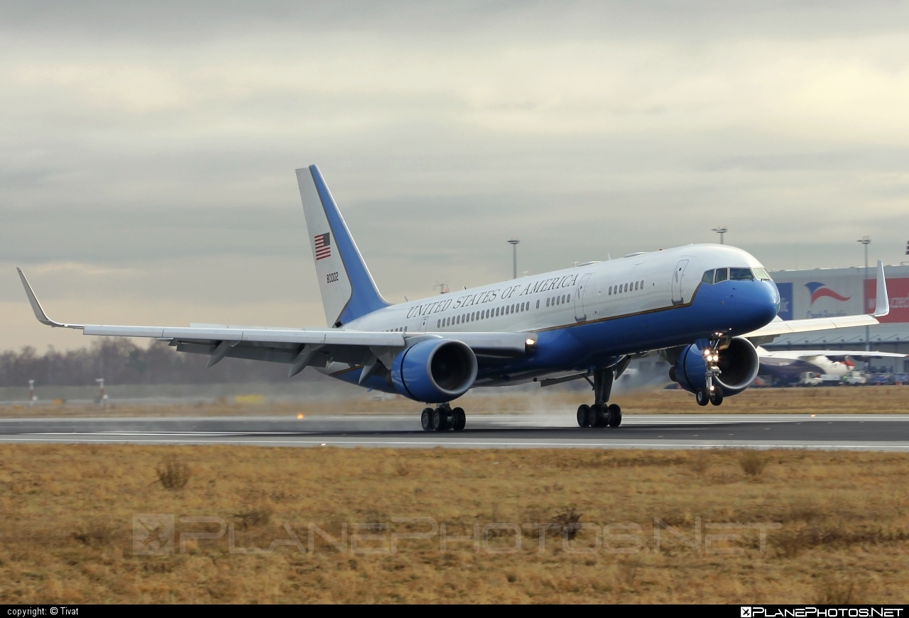 Boeing C-32A - 98-0002 operated by US Air Force (USAF) #boeing #usaf #usairforce