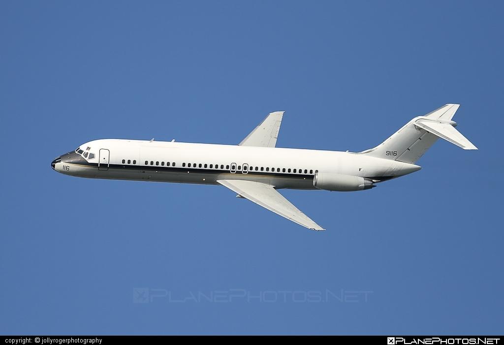 McDonnell Douglas C-9B Skytrain II - 159116 operated by US Navy (USN) #mcdonnelldouglas