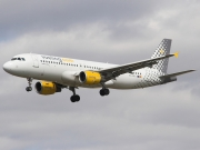 Airbus A320-211 - EC-GRH operated by Vueling Airlines