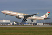Airbus A330-343 - A6-AFF operated by Etihad Airways