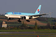 Boeing 777-200ER - HL7715 operated by Korean Air