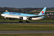Korean Air Boeing 777-200ER - HL7715