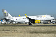 Airbus A320-232 - EC-LVT operated by Vueling Airlines