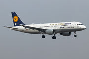 Airbus A320-214 - D-AIZB operated by Lufthansa