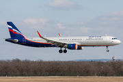 Airbus A321-211 - VP-BEW operated by Aeroflot