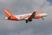 Airbus A320-214 - G-EZUH operated by easyJet