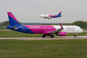 Airbus A321-231 - HA-LXI operated by Wizz Air