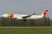 Airbus A330-343 - CS-TOU operated by TAP Portugal