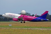 Airbus A320-232 - HA-LYX operated by Wizz Air