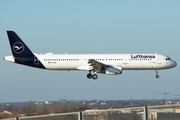Airbus A321-231 - D-AISQ operated by Lufthansa