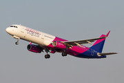Airbus A321-231 - HA-LTA operated by Wizz Air