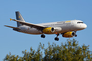 Airbus A320-232 - EC-LUN operated by Vueling Airlines