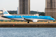 Embraer 190-100STD - PH-EZH operated by KLM Cityhopper