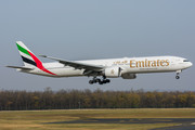 Boeing 777-300ER - A6-EPT operated by Emirates