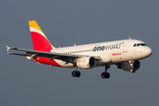 Airbus A319-111 - EC-KHM operated by Iberia