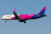 Airbus A321-231 - HA-LXV operated by Wizz Air