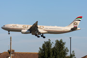 Airbus A330-343 - A6-AFE operated by Etihad Airways
