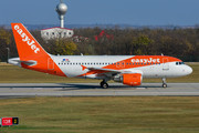 Airbus A319-111 - OE-LQR operated by easyJet Europe