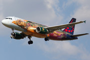 Airbus A320-214 - OO-SNF operated by Brussels Airlines