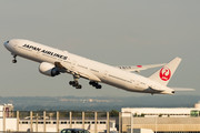 Boeing 777-300ER - JA741J operated by Japan Airlines (JAL)