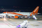 Airbus A320-214 - OE-IVF operated by easyJet Europe