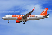 Airbus A320-214 - OE-IVZ operated by easyJet Europe