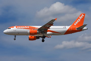 Airbus A320-214 - OE-IZV operated by easyJet Europe